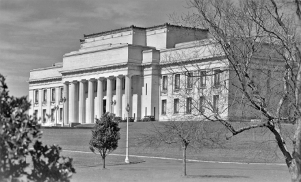 Auckland Domain with Auckland War Memorial Museum (completed 1929)