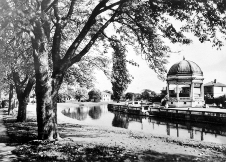 Band Rotunda and Avon River