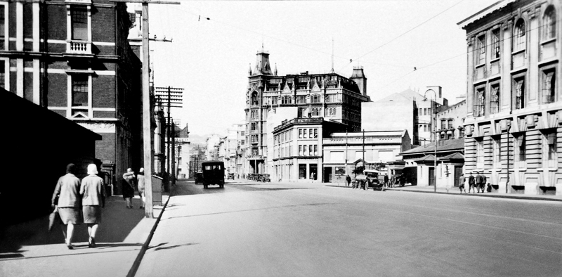 Featherson Street. Dominion Farmers Institute building (centre) on the corner of Featherston and Balance streets