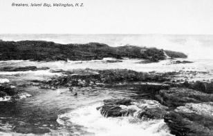 Breakers, Island Bay, 1904