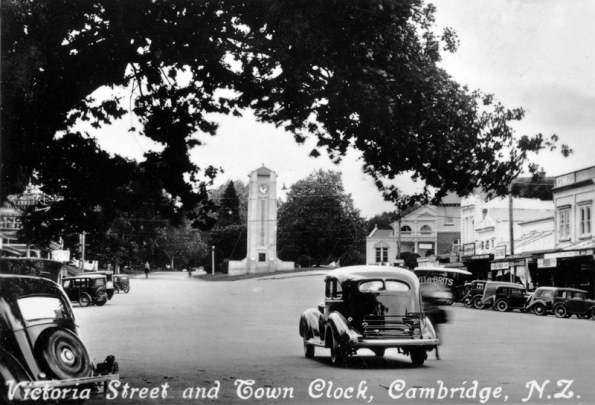 Cambridge: Victoria Street and Town Clock