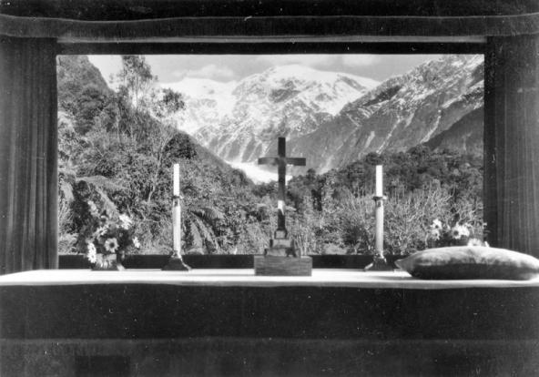 Franz Josef Glacier from Waiho Chapel
