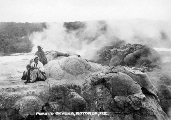 Pohutu Geyser, circa 1900