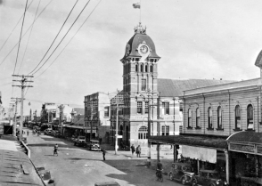 Queen Street, showing GPO